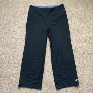 5/25 Joe Fresh 3/4 yoga pants